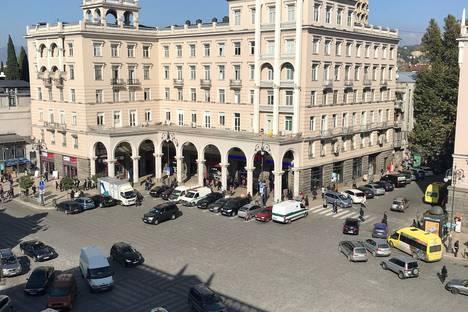 Сдается 3-комнатная квартира посуточно в Тбилиси, город Тбилиси.проспект Агмашенебели 86/90.
