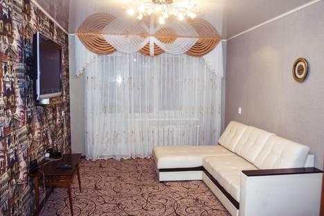 Сдается 2-комнатная квартира посуточно в Сарапуле, Интернациональная улица, 60.