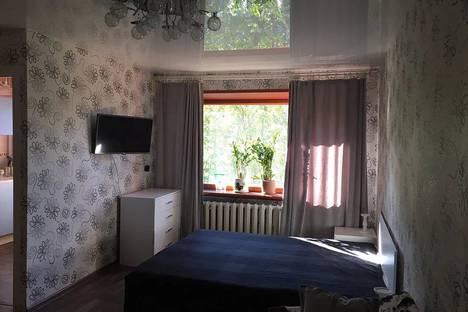 Сдается 1-комнатная квартира посуточнов Мурманске, улица Октябрьская, 30.