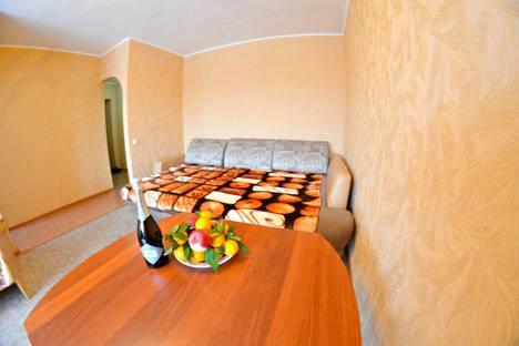 Сдается 2-комнатная квартира посуточно в Кемерове, улица Красноармейская, 95А.