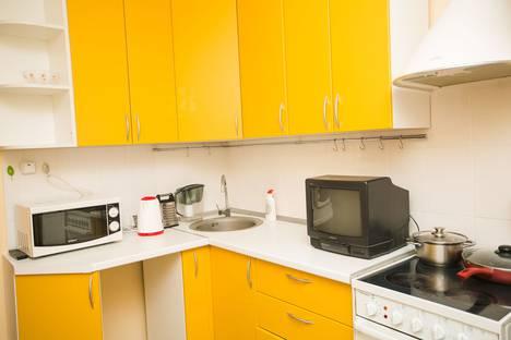 Сдается 2-комнатная квартира посуточно в Тюмени, Холодильная улица 84.