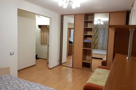 Сдается 1-комнатная квартира посуточнов Тюмени, Севастопольская улица, 25.