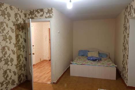 Сдается 2-комнатная квартира посуточнов Тюмени, улица Республики, 94.