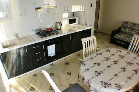 Сдается 2-комнатная квартира посуточно в Адлере, улица Кирова, 28.