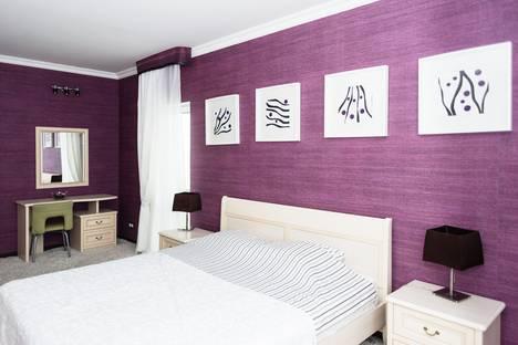 Сдается 2-комнатная квартира посуточно в Екатеринбурге, Луганская улица, 4.