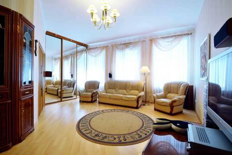 Сдается 2-комнатная квартира посуточно в Санкт-Петербурге, набережная канала Грибоедова, 7.