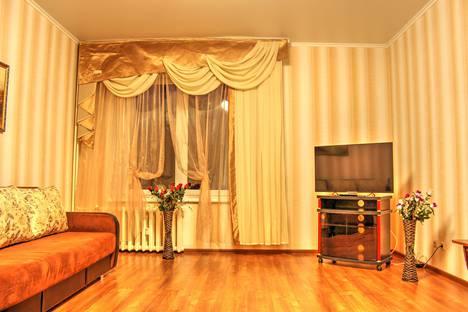 Сдается 1-комнатная квартира посуточнов Нижневартовске, улица 60 Лет Октября, 29.