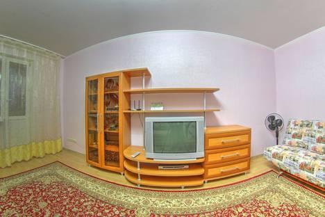 Сдается 2-комнатная квартира посуточно в Нижневартовске, улица Чапаева, 13.