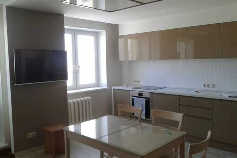 Сдается 1-комнатная квартира посуточнов Уфе, ул 50-летия Октября 5.
