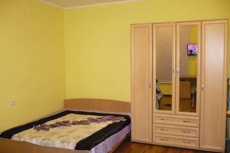 Сдается 1-комнатная квартира посуточно в Санкт-Петербурге, улица Марата, 13.