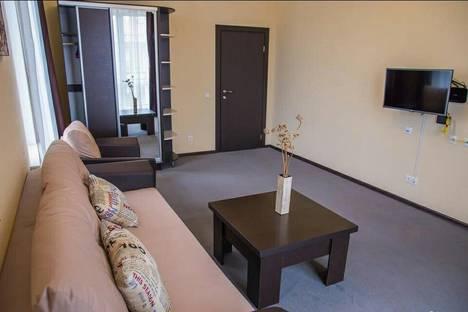 Сдается 1-комнатная квартира посуточно, проспект Тракторостроителей, 72.