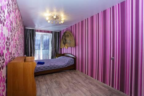 Сдается 2-комнатная квартира посуточнов Новокузнецке, Транспортная улица, 75.
