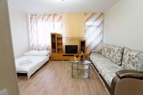Сдается 1-комнатная квартира посуточно в Тюмени, 50 лет ВЛКСМ, 15к1.
