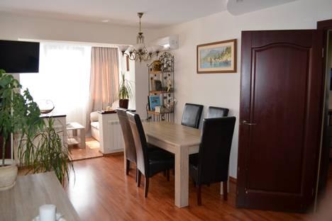 Сдается 2-комнатная квартира посуточно в Гурзуфе, ул.Соловьева,д.2.
