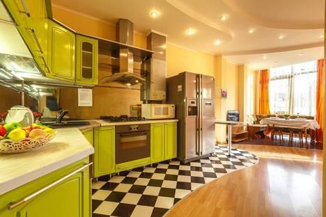 Сдается 1-комнатная квартира посуточно в Самаре, улица Степана Разина, 156.