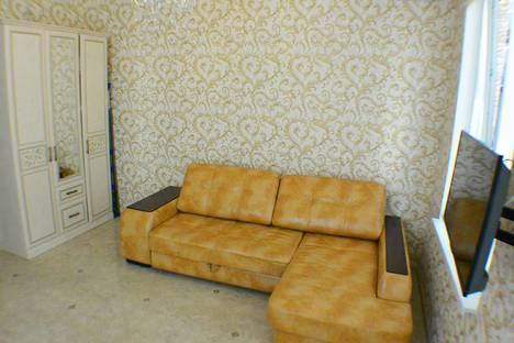 Сдается 1-комнатная квартира посуточнов Гагре, Верхне-Имеретинская Бухта, улица Субтропическая.