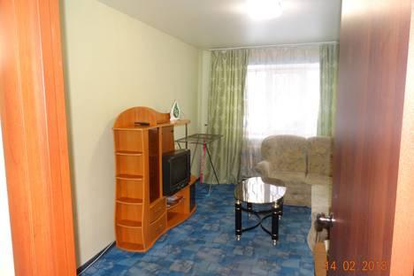 Сдается 2-комнатная квартира посуточно в Серове, улица Ленина, 154.