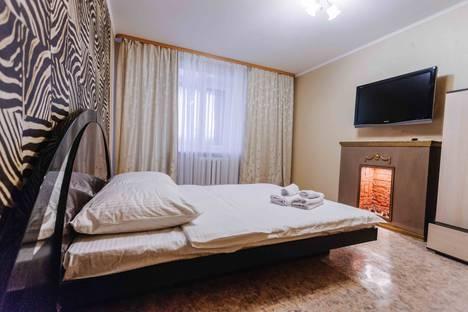 Сдается 2-комнатная квартира посуточнов Тюмени, улица Шиллера, 22.