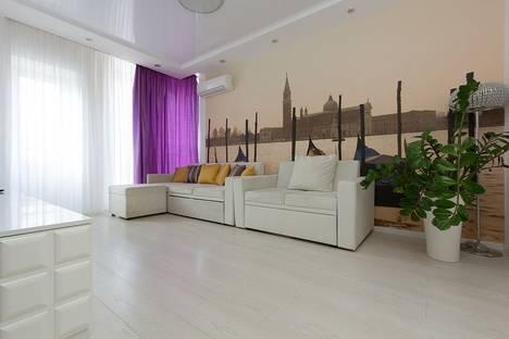 Сдается 2-комнатная квартира посуточно в Астрахани, улица Куликова, 79 корпус 3.