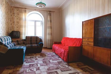 Сдается 2-комнатная квартира посуточно в Каменск-Уральском, Стахановская 4.