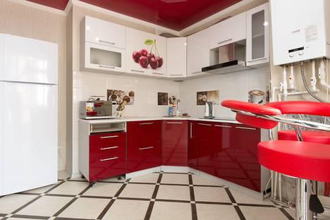 Сдается 2-комнатная квартира посуточно в Астрахани, улица Латышева, 3.