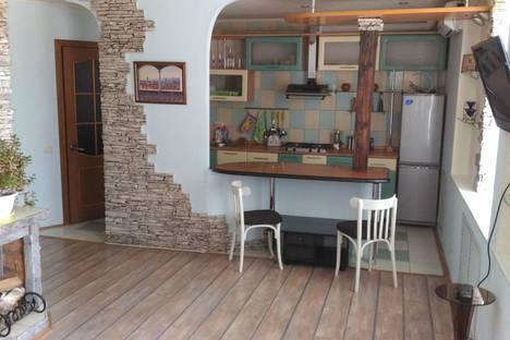 Сдается 2-комнатная квартира посуточно в Костроме, проспект Мира, 10.
