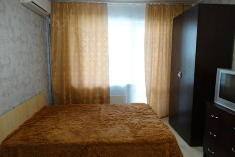 Сдается 1-комнатная квартира посуточнов Барнауле, улица Балтийская, 105.