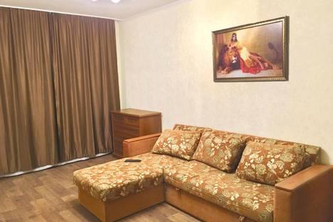 Сдается 2-комнатная квартира посуточно, улица Менделеева, 6б.