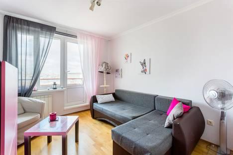 Сдается 2-комнатная квартира посуточнов Реутове, Смоленский бульвар, 6 корпус 8.