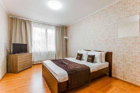 Сдается 2-комнатная квартира посуточно, улица Генерала Антонова, дом 5, корпус 2.