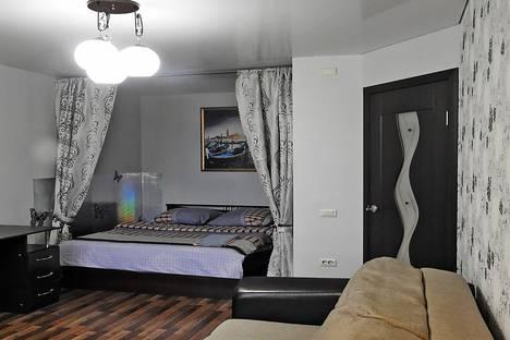 Сдается 1-комнатная квартира посуточно в Череповце, улица Набережная, 43.