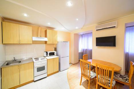 Сдается 1-комнатная квартира посуточно во Владивостоке, улица Светланская, 193.