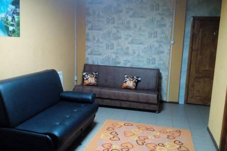 Сдается 2-комнатная квартира посуточно в Новокуйбышевске, Зеленая улица, 27.
