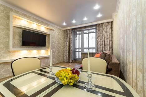 Сдается 2-комнатная квартира посуточно в Сергиевом Посаде, улица 1 Ударной Армии, 95.