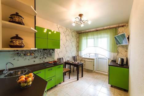 Сдается 2-комнатная квартира посуточно в Сергиевом Посаде, проспект Красной Армии, 247.