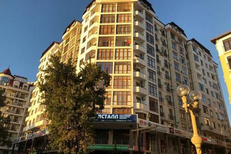 Сдается 1-комнатная квартира посуточно, улица Луначарского, 114.