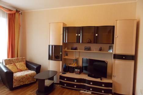 Сдается 1-комнатная квартира посуточно в Великом Новгороде, ул. Предтеченская, д 18.
