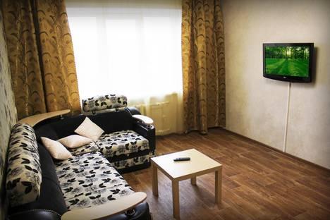 Сдается 3-комнатная квартира посуточно в Бийске, улица Советская, 220.
