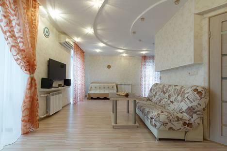 Сдается 2-комнатная квартира посуточно в Астрахани, бульвар Победы, 3.