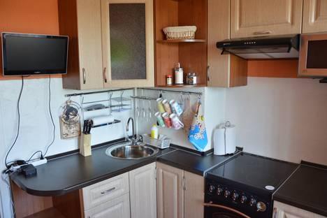 Сдается 1-комнатная квартира посуточно в Североморске, улица Гаджиева, 7.