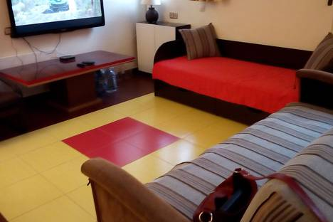 Сдается 1-комнатная квартира посуточнов Железноводске, улица Мироненко, 6.