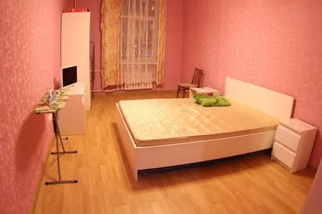 Сдается 2-комнатная квартира посуточно в Санкт-Петербурге, Новочеркасский проспект 37.