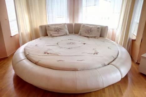 Сдается 3-комнатная квартира посуточно в Баку, Рашид Бехбутова 59.