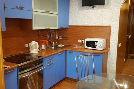 Сдается 2-комнатная квартира посуточно в Южно-Сахалинске, улица Карла Маркса д. 29.