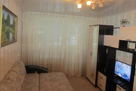 Сдается 2-комнатная квартира посуточнов Елабуге, проспект Вахитова, 22.