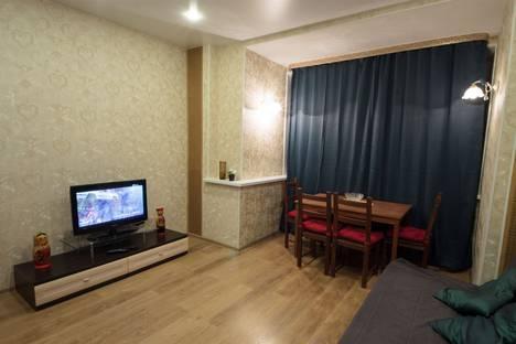 Сдается 2-комнатная квартира посуточнов Кстове, проспект Гагарина, 112.