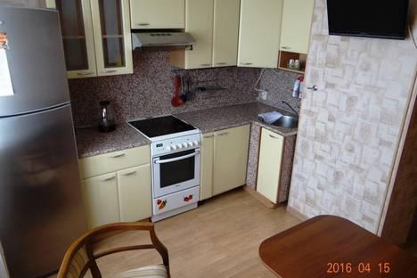 Сдается 2-комнатная квартира посуточнов Нижневартовске, улица 60 Лет Октября, 11.