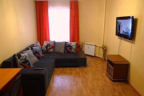 Сдается 2-комнатная квартира посуточно в Нижневартовске, улица Героев Самотлора, 20.