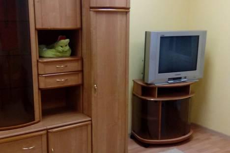Сдается 2-комнатная квартира посуточно в Ноябрьске, улица Ленина, 67.