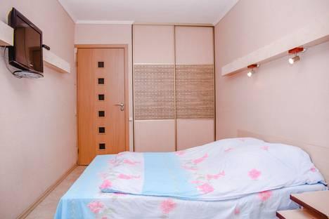 Сдается 2-комнатная квартира посуточнов Новокуйбышевске, Ново-Вокзальная улица, 146.